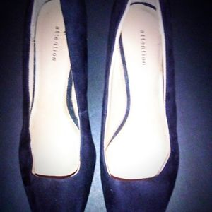 Women's Size 8, Black, 2 Inch pumps, by Attention.